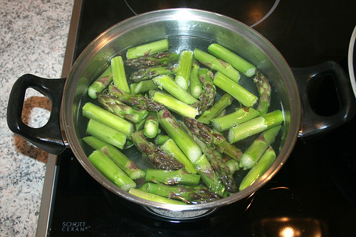 12 - Spargel blanchieren / Blanch asparagus