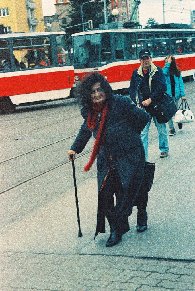 Praktica MTL 5 + Helios 44-2 2/58 - Old Lady and Other People on Mendel's Square