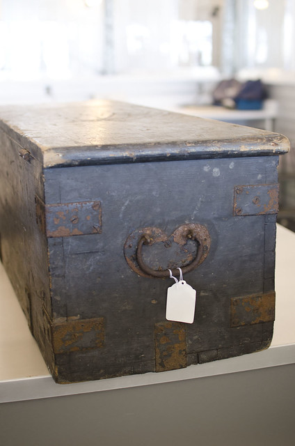 A Tagged Original Storage Box From The Sir John Coape Sherbrooke Fonds Bo Te De Rangement D