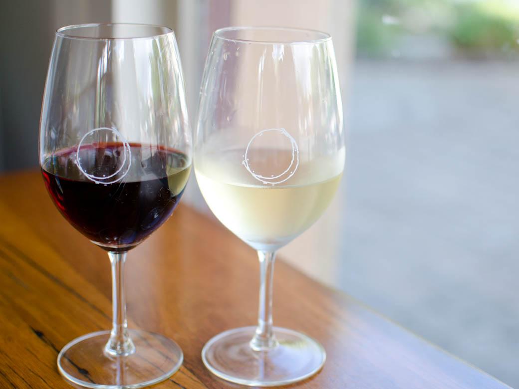 La Luna - Red wine white wine