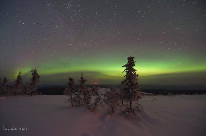 Aurora-on-the-horizon