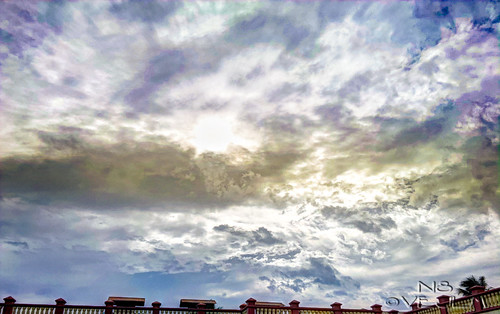 Clouds with color.. by victorEJ
