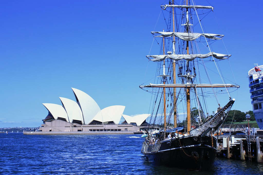 Sailing Ship cruises in sydney