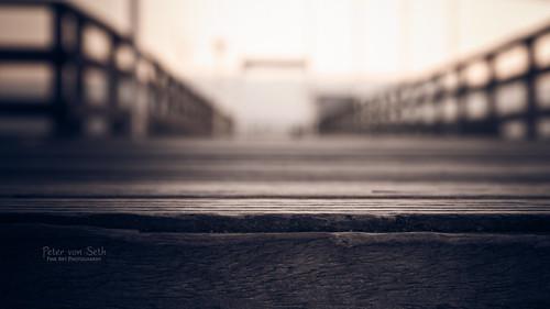 wood morning bridge pink winter sky color colour architecture sunrise season landscape dawn pier technology bokeh object kultur jahreszeit culture rosa himmel technik schild edge architektur environment material holz landschaft farbe sonnenaufgang morgen kante umwelt bruecke seebruecke objekt timeofday tageszeit zeitpunkt petervonseth