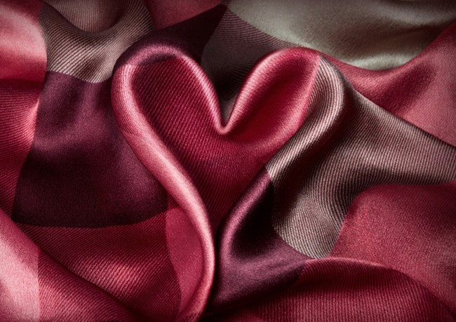 1 - Burberry Valentine's Day - Women's