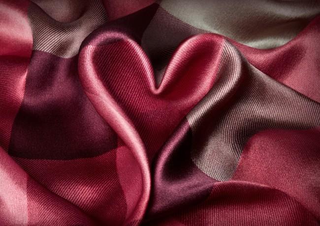 1 - Burberry Valentine's Day - Women's