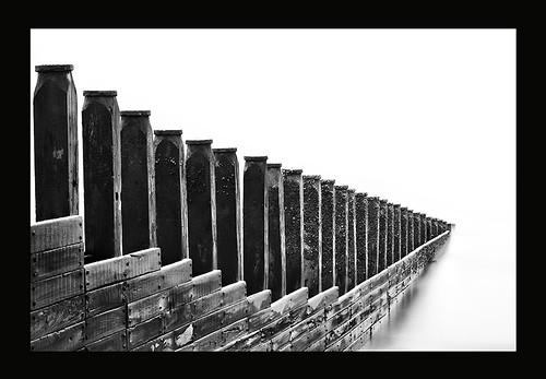 seascape sussex mono nikon timber eastbourne groynes jawline 1685 d300s hitechprostopper