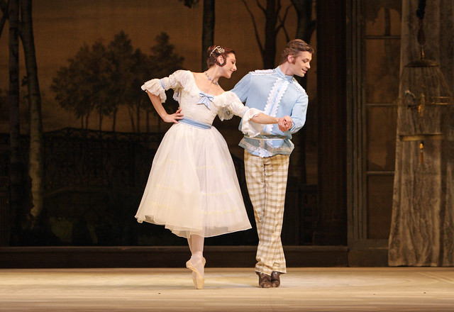 Zenaida Yanowsky as Natalia Petrovna and Rupert Pennefather as Beliaev in A Month in the Country © Dee Conway/ROH 2008