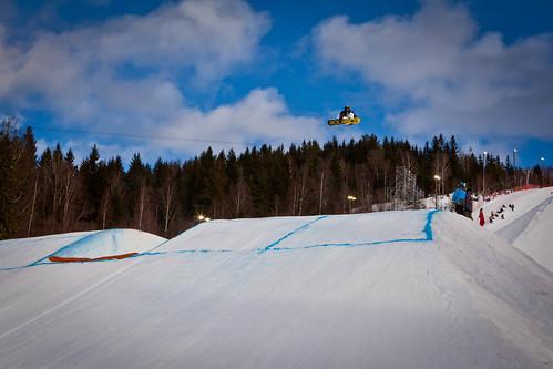 Den nybakte verdensmesteren Chas Guldmond under finalen i slopestyle i Wyllerløypa under Snowboard VM 2012.