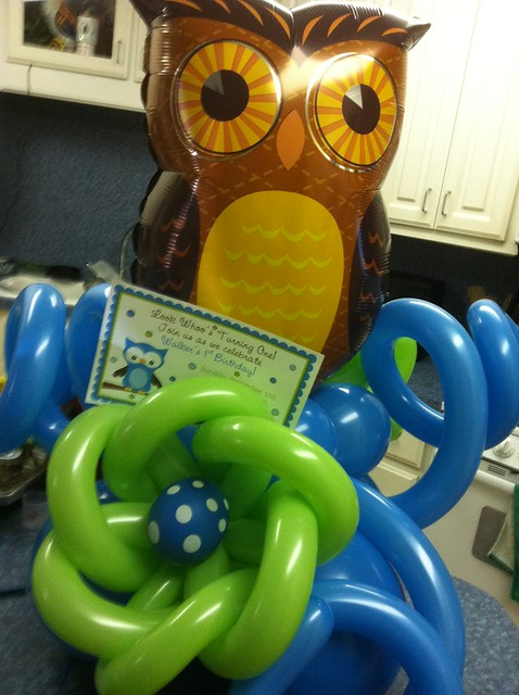 Owl balloon centerpiece : Owl balloon centerpiece flickr photo sharing