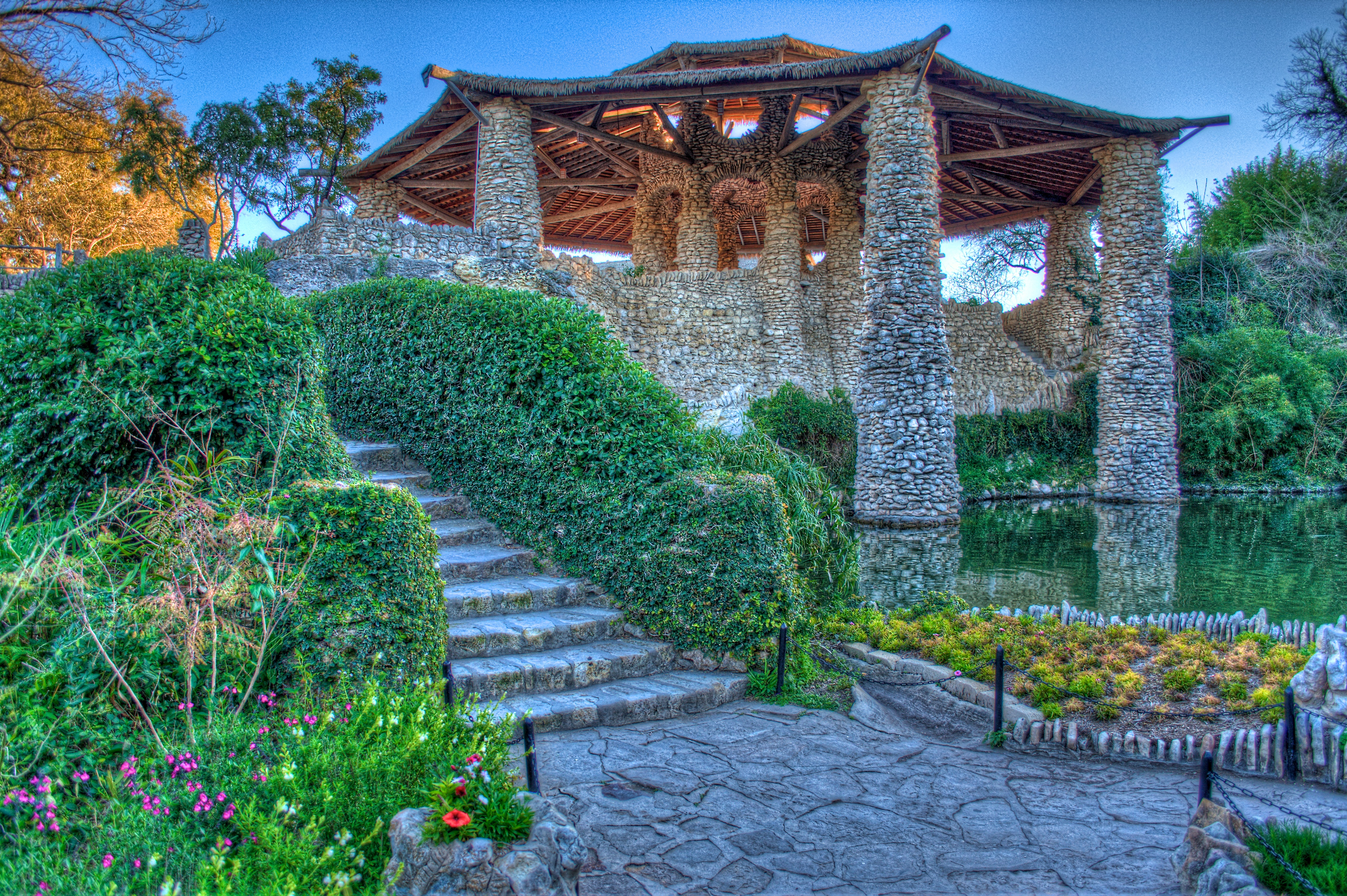 Japanese Tea Garden Pagota San Antonio Located In Bracke Flickr Photo Sharing