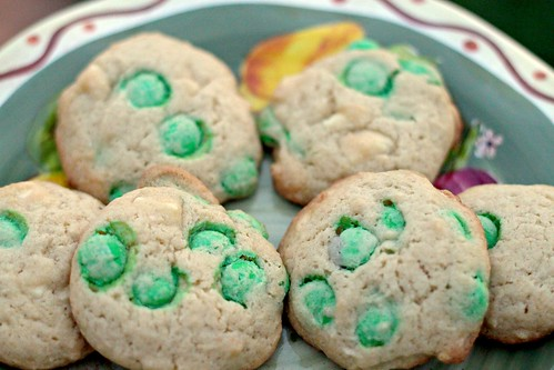 M&M and White Chocolate Chunk Cookies