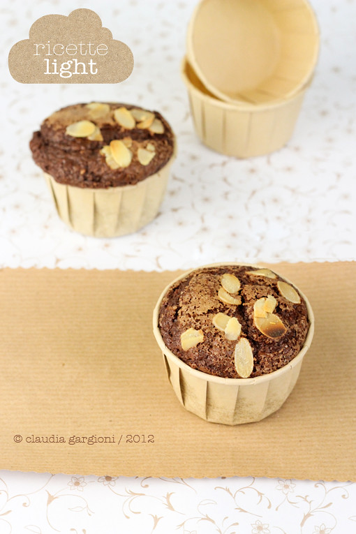 Muffin light al cacao e nocciole