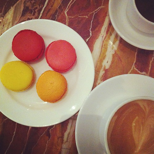 Happy Macaroon day friends!