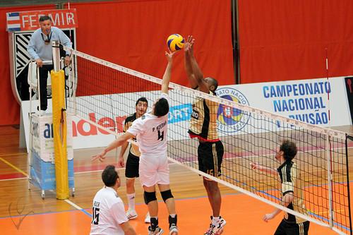 Voleibol: Vitória SC 2-3 Benfica