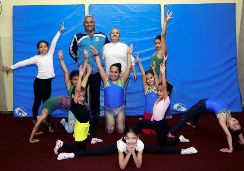 Prefeitura oferece treinamento de ginástica artística para alunos da rede municipal de ensino 3