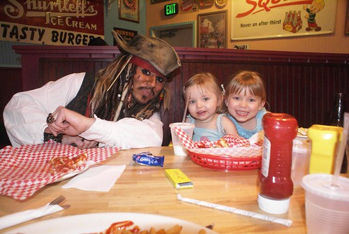 Captain Jack and the girls @ KeyLime Cove