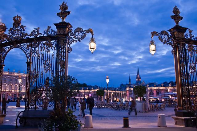 La place Stanislas et des grilles ouvragées©Regine Datin pour Nancy Tourisme