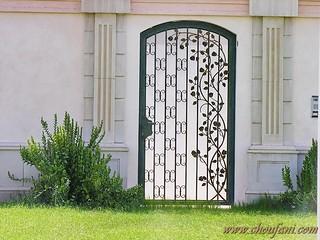 Door10B