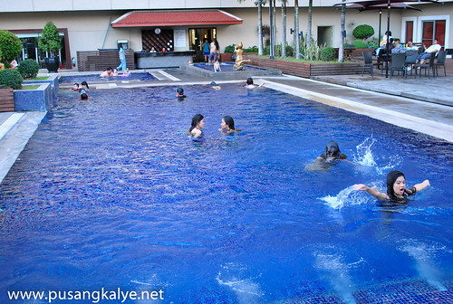 DUSIT_THANI_MANILA_POOL