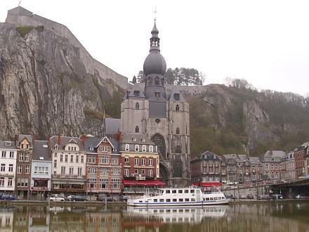 Dinant an der Maas (Meuse)