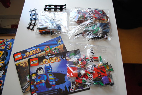 [Review] Super Heroes 6857: The Dynamic Duo Funhouse Escape 6863623049_fa8a28786c