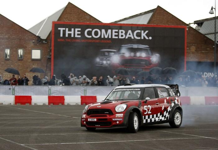 Крис Мик и Пол Нагл на презентации MINI WRC Team в Оксфорде, 2011-й год