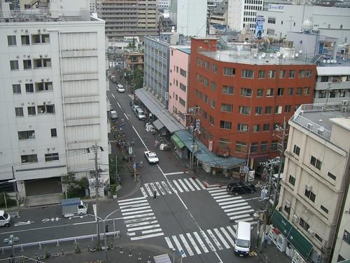 横浜のドヤ街を舞台にしたアートプロジェクト「寿から絵を放つ」 と「絵のパレード」_01