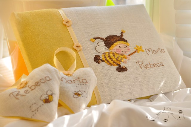 "little bee guesbook - carte de oaspeti si inimioare personalizate "" micuta albinuta "" - baby bee baby shower"