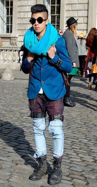 2012 02 lfw blue