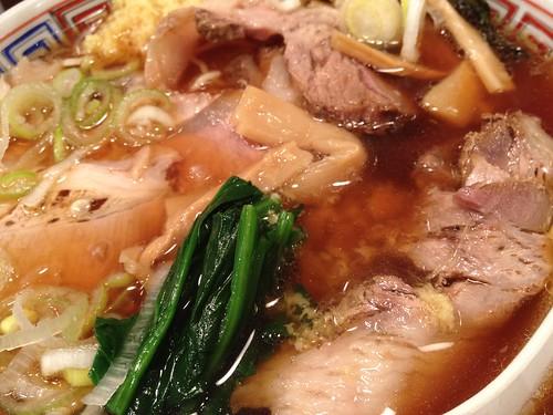 麺えるびす 肉盛り醤油そば