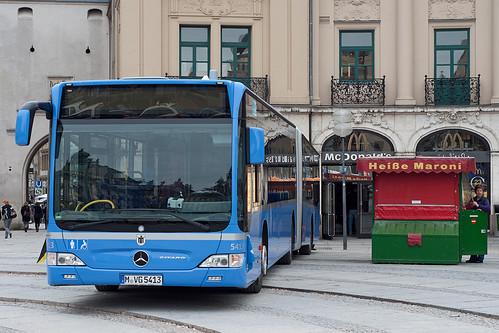 Mit dem Bus direkt zum Maronistand