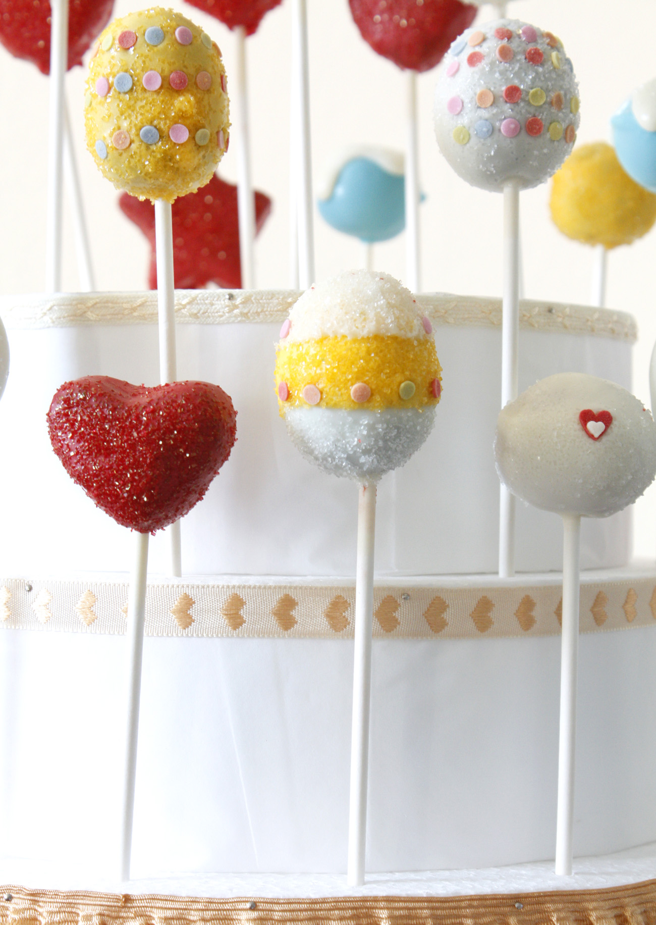 Valentine's Day Cake Pops: Cake Pop Tower