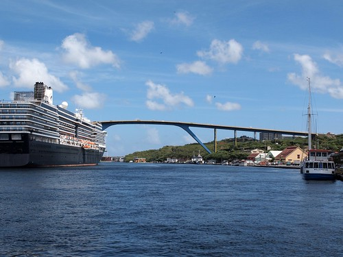 The Westerdam and the bridge in Curaçao.