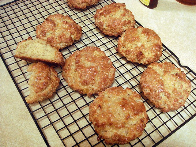 Peaches 'n Cream Oatmeal Scones