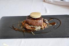 Solomillo de ternera, tallarines y mantequilla de foie