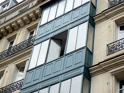bow windows Marais.jpg