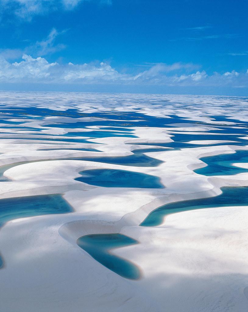 純白の砂漠と蒼きラグーンの絶景「レンソイス」が美しすぎる