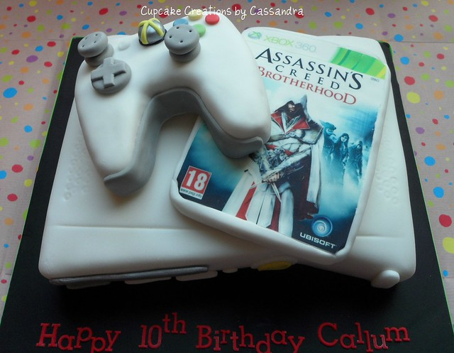 Xbox Birthday Cake http://www.flickr.com/photos/54242539@N02/7045849421/