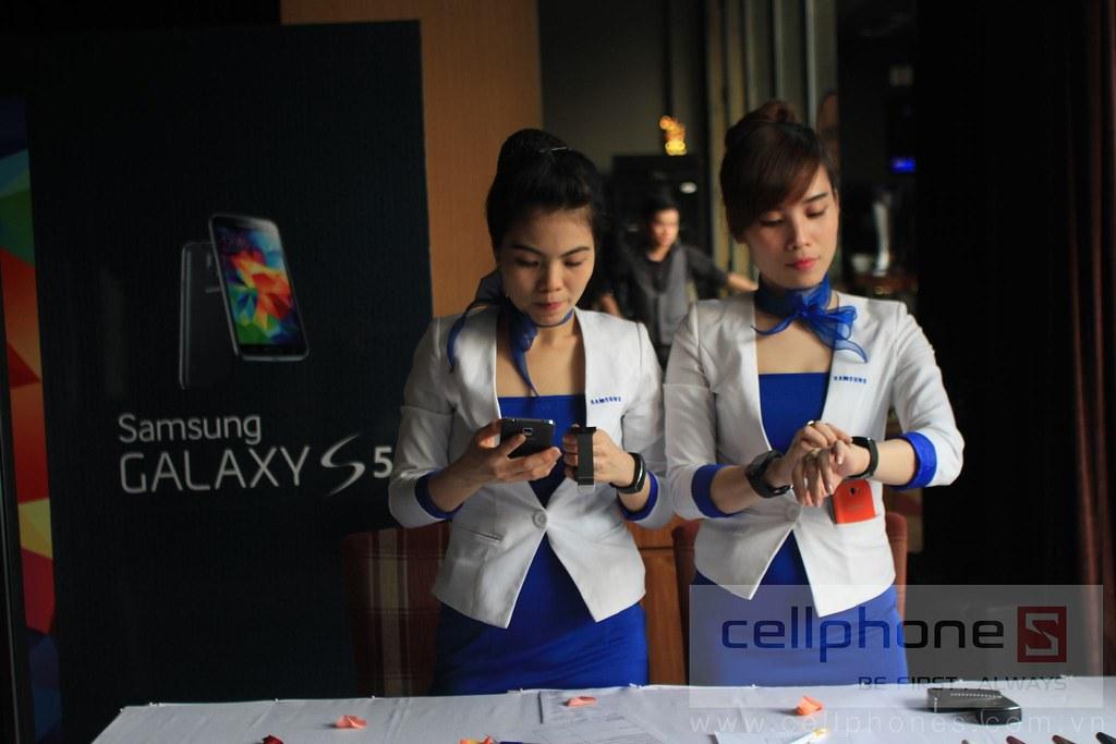 Sforum - Trang thông tin công nghệ mới nhất 13300977223_a6be28ca7a_b Hình ảnh buổi Offline: Trải nghiệm Galaxy S5