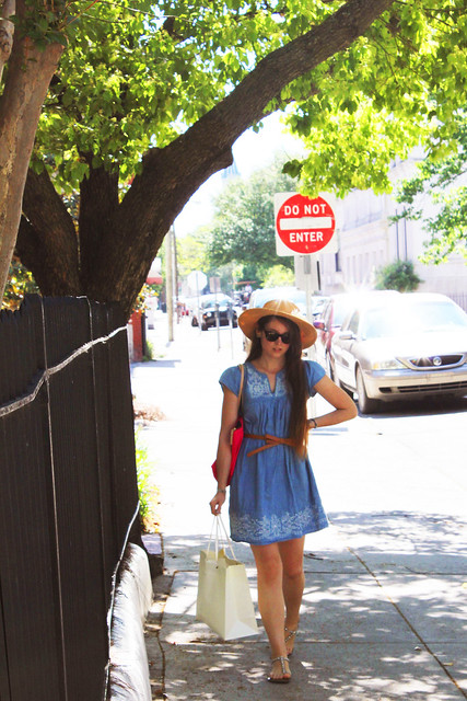 Savannah & a Straw Hat