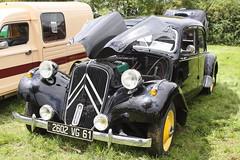 Une Citroën ? - Photo of Le Mesnil-Bacley