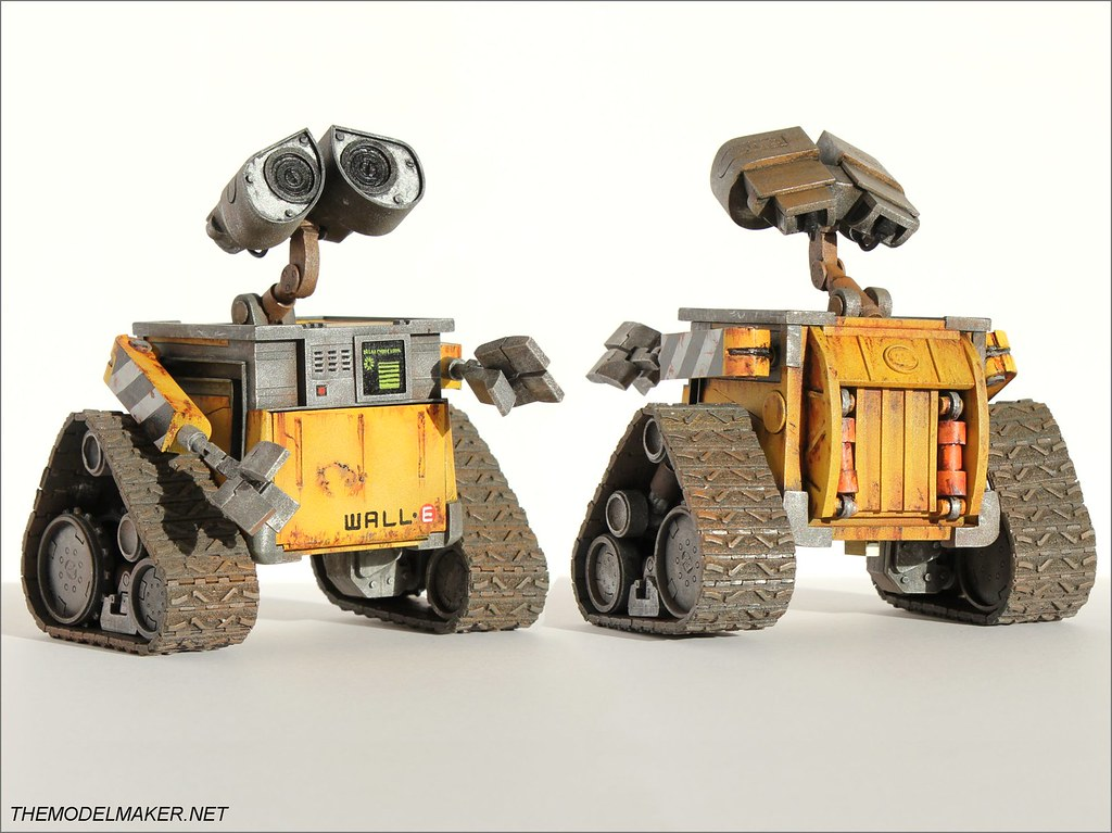 Custom engagement ring box Wall-E 1