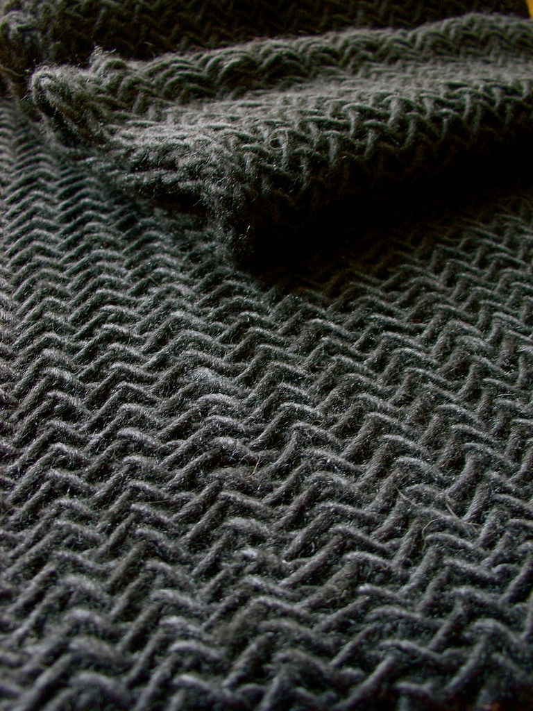 Giant Herringbone Cowl