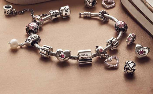 PANDORA'S VALENTINE-INSPIRED COLLECTION 1