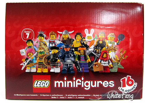 An image of an 8831 LEGO Collectable Minifigures Series 7 box