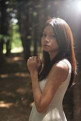 [フリー画像素材] 人物, 女性 - アジア, 台湾人, 人物 - 草原, ワンピース・ドレス ID:201204051800
