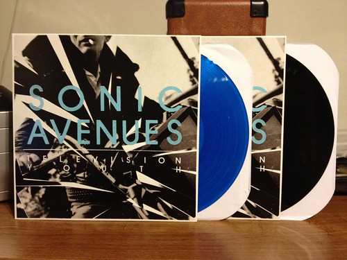 Sonic Avenues - Television Youth - Blue Vinyl (/200) & Black Vinyl by Tim PopKid