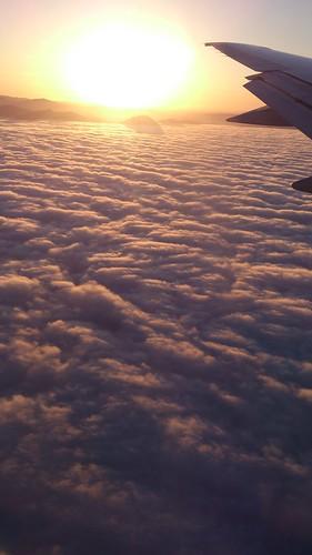 雲海の上の山々