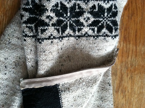 Scandinavian Cardigan - Zipper installation